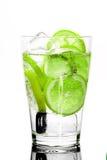 Neues Getränk mit Kalk stockfotografie