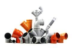 Neues graues und orange Abfluss-PVC-Rohr lokalisiert auf Weiß Lizenzfreies Stockbild