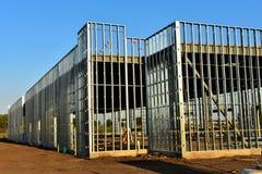Neues Handelsgeschäft im Bau stockbilder