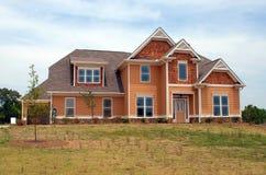 Neues Haus für Verkauf stockfoto