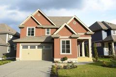 Neues Haus-Haus für Verkauf BC lizenzfreie stockfotografie