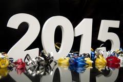 Neues Jahr 2015 auf Schwarzem mit Konfettis Lizenzfreies Stockbild