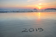 2015 neues Jahr auf Strandsand Lizenzfreie Stockfotos