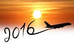 Neues Jahr 2016, das mit dem Flugzeug zeichnet Stockfotos