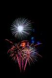 neues Jahr 2017 der Feuerwerke - schönes buntes Feuerwerk Stockbilder