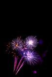 neues Jahr 2017 der Feuerwerke - schönes buntes Feuerwerk Stockfotografie