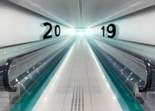 2019 neues Jahr in der Metrostation als Geschäftskonzept Stockbild