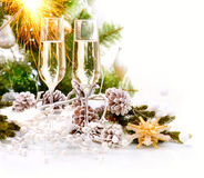 Neues Jahr-Karten-Auslegung mit Champagne Lizenzfreie Stockfotografie