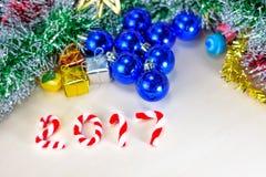 Neues Jahr 2017 mit Weihnachtsdekorationen Stockfoto