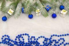 Neues Jahr ` s Dekorationen, Blau, Grün, Silber und Weiß Lizenzfreie Stockfotografie