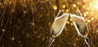 Neues Jahr ` s Eve mit Champagner Stockfotos