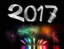 Neues Jahr ` s Eve 2017 mit Feuerwerken Stockbild