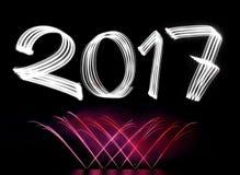 Neues Jahr ` s Eve 2017 mit Feuerwerken Lizenzfreies Stockfoto