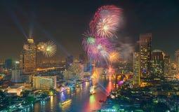 Neues Jahr 2016, Thailand Feuerwerke ` Bangkoks Stockfotos