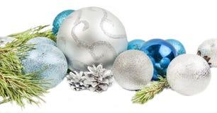 Neues Jahr und Weihnachtszusammensetzung mit Tannenbaumast, beautif lizenzfreies stockfoto