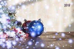 2018 neues Jahr, Weihnachten Ökologische, hölzerne Weihnachtsdekorationen Stockbilder