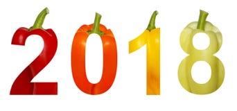 2018 neues Jahr Zwei tausend achtzehn feiertage Zahlen werden vom bunten Gemüsepaprikapaprika gemacht, der auf einem Weiß lokalis Stockfoto