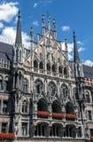 Neues Rathaus auf Marienplatz in München, Deutschland Stockfotos