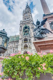 Neues Rathaus carillion在慕尼黑,德国 免版税图库摄影