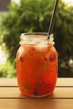 Neues Sommergetränk im Glas Lizenzfreie Stockfotos