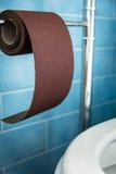 Neues starkes Toilettenpapier, stark Sehr stark Stockfoto