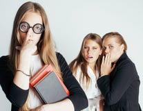 Neues Student bookwarm in den Gläsern gegen zufälliges Lizenzfreie Stockfotos