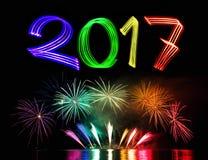 Neues Year& x27; s Eve 2017 mit Feuerwerken Lizenzfreie Stockfotos