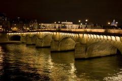 Neuf de Pont en la noche Imagen de archivo libre de regalías