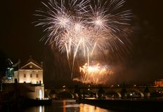 an neuf de Prague de feux d'artifice photo stock