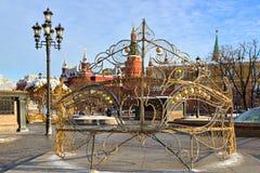 An neuf et Noël Décoration de Noël sur la place de Manege devant Kremlin moscou image libre de droits