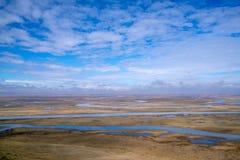 Neuf tours et dix-huit courbures de rivi?re de Kaidu dans Bayanbulak au printemps photographie stock libre de droits
