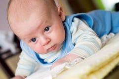 Neugeboren auf Decke Lizenzfreies Stockfoto