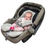 Neugeborenes Baby in einem Autositz Lizenzfreie Stockfotos