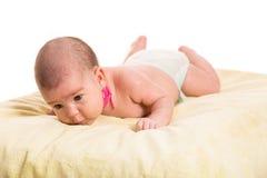 Neugeborenes Baby mit Torticollishals Stockfotografie