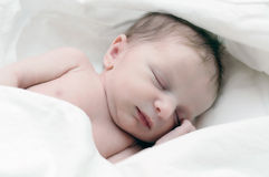 Neugeborenes Kind Lizenzfreie Stockfotos