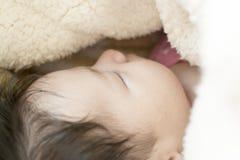 Neugeborenes Mädchen Stockfotografie