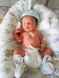 Neugeborenes Schätzchen im Krankenhaus stockfotos