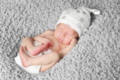 Neugeborenes Schätzchen-Schlafen Lizenzfreies Stockbild
