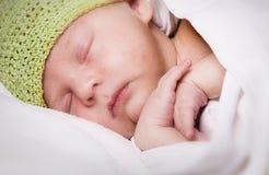 Neugeborenes Schlafen Stockbild