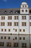 Neuhaus slott av Paderborn och reflexionen i vattnet Arkivbild