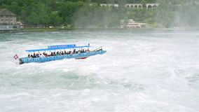 Neuhausen до полудня Rheinfall, Швейцария - 23-ье июля 2019 Водопад на реке Рейне в Neuhausen Rheinfall, Schaffhausen в Switze видеоматериал