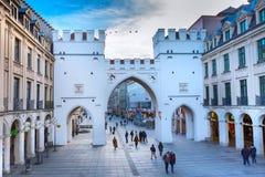 Neuhauser ulica i Karlsplatz brama w Monachium, Niemcy Obraz Royalty Free