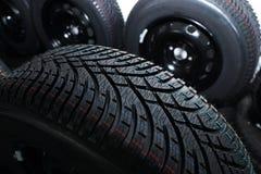 Neumático del invierno del coche nuevo Imagenes de archivo