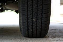 Neumático del jeep. Fotografía de archivo