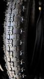Neumático negro de la bicicleta Imagenes de archivo
