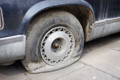 Neumático plano Foto de archivo libre de regalías