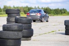 Neumáticos borrados viejos foto de archivo