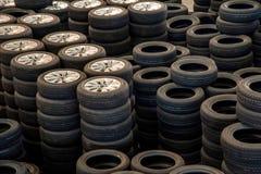Neumáticos de coche de la reserva de Warehouse de las piezas de automóvil de Chongqing Minsheng Logistics Beijing Branch Fotos de archivo