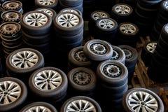 Neumáticos de coche de la reserva de Warehouse de las piezas de automóvil de Chongqing Minsheng Logistics Beijing Branch Fotos de archivo libres de regalías