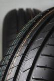 Neumáticos de goma nuevos para la venta Imagen de archivo libre de regalías